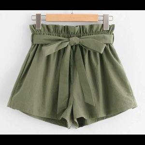Green camo shorts,medium in women